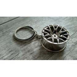 Wheel keychain silver